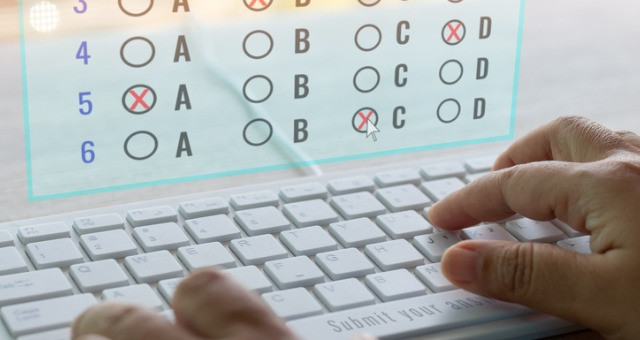 Student takes online quiz with cheating techniques